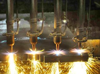 日鐵鋼業様 ガス溶断加工風景