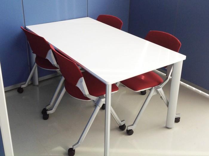 商談スペースの椅子